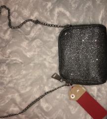 Nova torbica z etiketo, srebrna