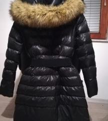 Črna bunda, puhovka like Moncler