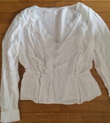 eleganta bela majica z detajli čipke