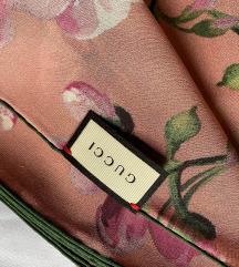 Gucci original svilen šal - nov