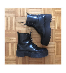 Škornji z platformo
