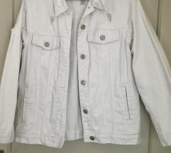 bela jakna iz jeansa