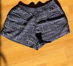 Kratke hlače z vzorčki