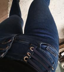 Jeans novo S