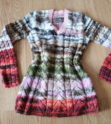 pisan etno pulover