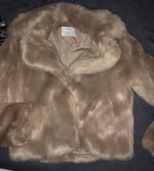 Bershka faux fur jakna