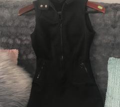 Črna oprijeta oblekca-tunika s kapuco