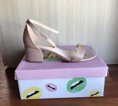 OMG! Sandali z nizko peto