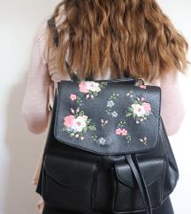 Nahrbtnik in torbica v enem