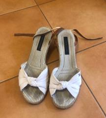 Sandali s polno pet