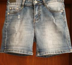 *REZERVIRANE*NOVE Jeans kratke hlače