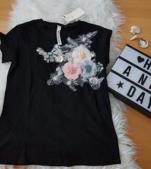 črna majoca kratek rokav z rožami