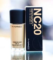 MAC puder NC20