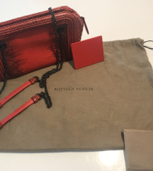 Bottega Veneta Red Ayers Camera Bag BREZ MENJAV