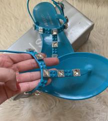 Modri sandali Hölster