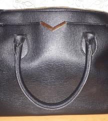 Elegantna črna torbica