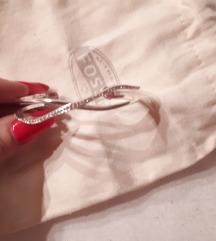 Zapestnica srebrna s cirkoni