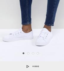 Asos beli cevlji