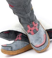 NOVI zimski škornji