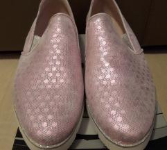 novi usnjeni roza čevlji slip-on
