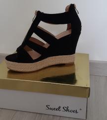 Visoki čevlji - NOVO
