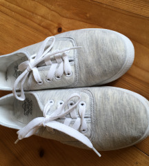 Svetlo sivi nizki čevlji 40