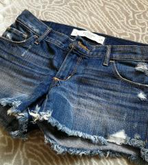 Kratke jeans hlače xs