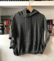 Zara pulover s kapuco