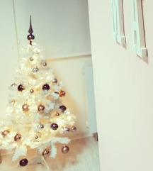 Bela božična smreka