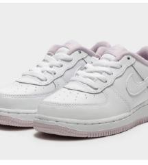 NOVE NENOŠENE Nike air force 1