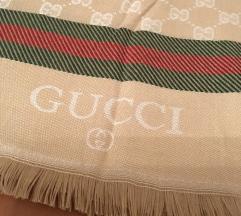 Gucci & Burberry šal