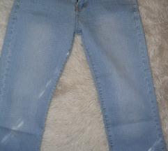 kapri jeans hlače