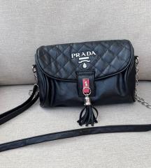 PRADA majhna črna torbica