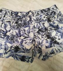 Rožaste kratke hlače