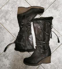 Topli škornji (PTT je v ceni)