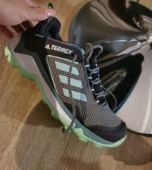 Adidas goretex zenske  Nizam 30e
