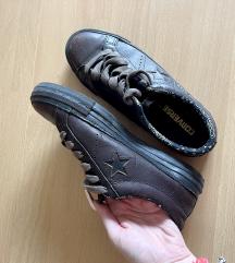 Usnjeni Converse čevlji