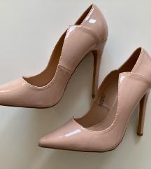 Nenošeni čevlji