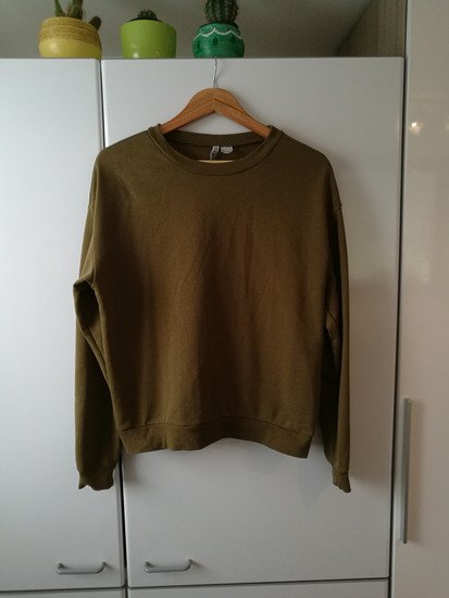 Vojaško zelen pulover H&M