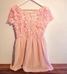 Cvetlična pinki oblekica s čipko