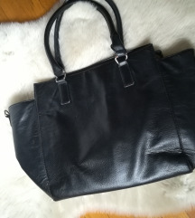 Crna torbica (menjam za 5€)
