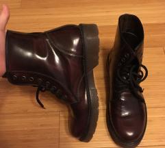 Bordo/črni usnjeni škornji 39