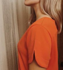 Oranžna obleka