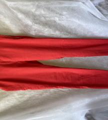 Rdeče dolge hlače
