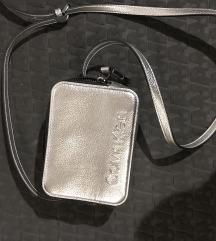 Calvin Klein torbica srebrna
