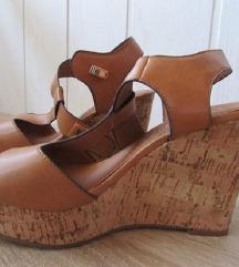 Sandalčki s platformo št.35