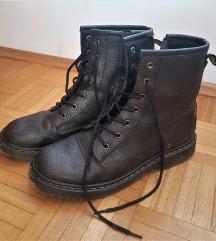 Sivo črni gležnjarji