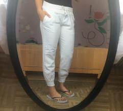 bele hlače