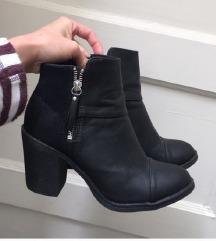 H&m NOVI škornji gležnjarji