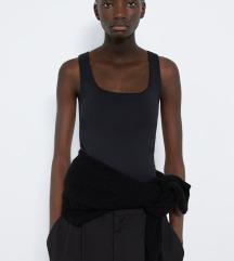 Črna ZARA majica